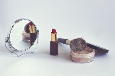 Polvos sueltos para finalizar el maquillaje