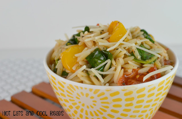 An easy to make meatless main dish or side! Tons of flavor and fresh ingredients! Tomato and Spinach Balsamic Orzo Recipe from Hot Eats and Cool Reads