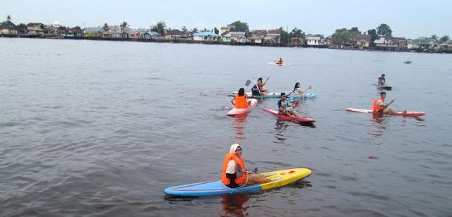 Main kano di sungai kapuas pontianak