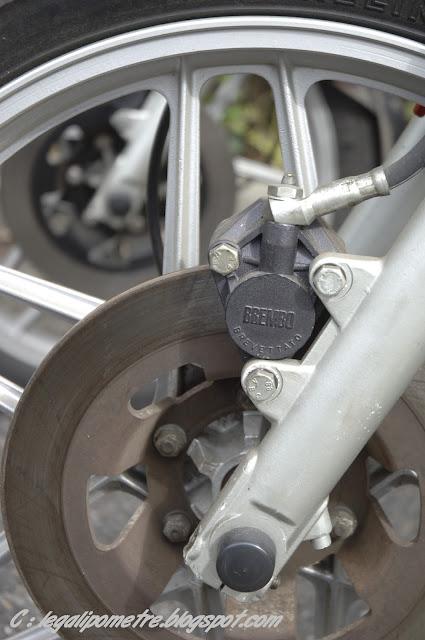 Les cousines Benelli / Moto Guzzi 254 (Années 70) _DSC0112