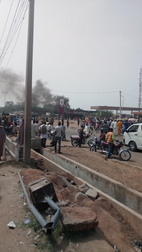 BREAKING MRS FILLING STATION TANKER FIRE OUTBREAK ALONG JOS ROAD BAUCHI