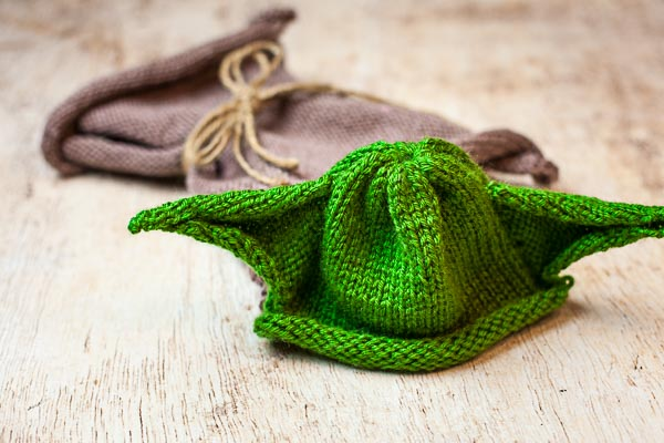 loom knit yoda hat, loom knit yoda robe, star wars, yoda, loom knit robe, loom knit jedi set, loom knit jedi robe, jedi, free loom knitting patterns, loom knit