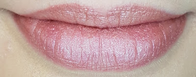 Avon mark. Liquid Lip Lacquer Matte Shimmer Shades in Kissy Face