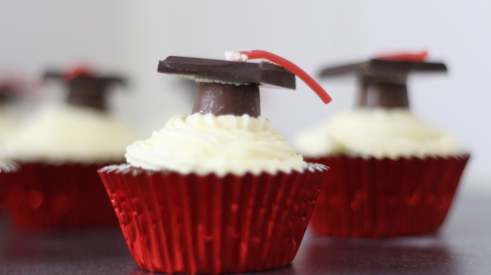 Graduation cupcakes chocolate white icing frosting buttercream recipe