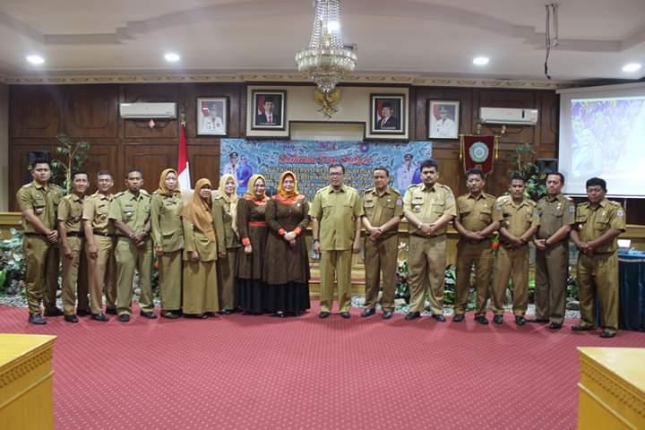 Wakil Walikota Binjai Timbas Tarigan bersama para Lurah dan ibu PKK