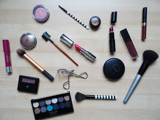cara memilih kosmetik yang baik