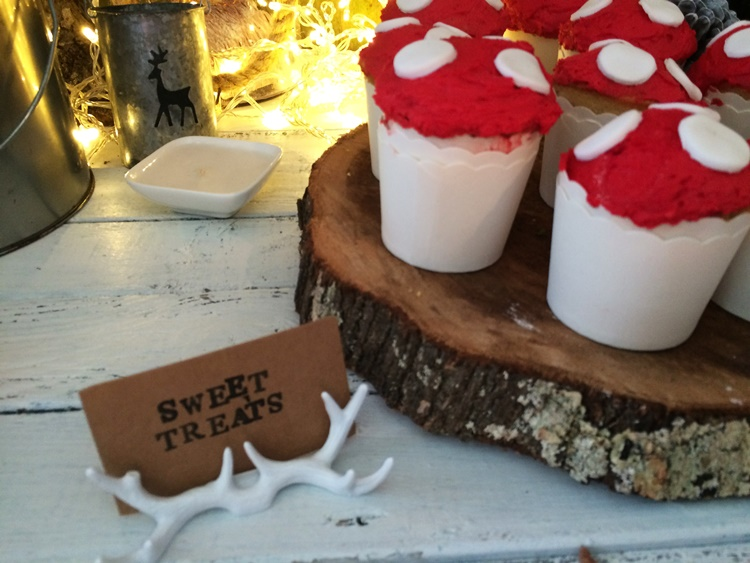 Woodland campfire party - sweet treats (antler card holders)