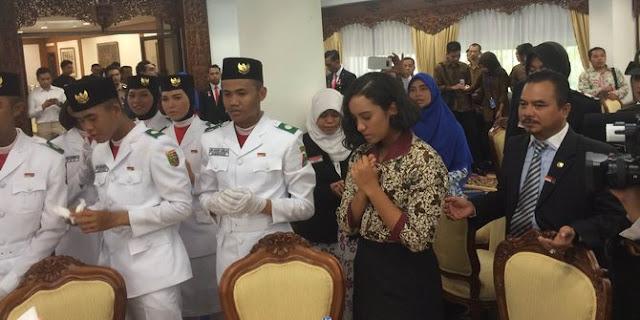 Jokowi izinkan Gloria gabung Paskibraka di upacara penurunan bendera