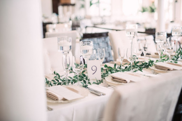 classic table setting reception