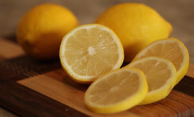 Manfaat Lemon Sebagai Detoksifikasi [image by www.magwuzz.com],