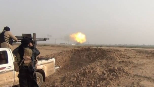 """الدفاع الروسية """"داعش"""" يقوم بتصنيع قنابل فيها مواد سامة داخل مبنى أحد المشافي في دير الزور"""