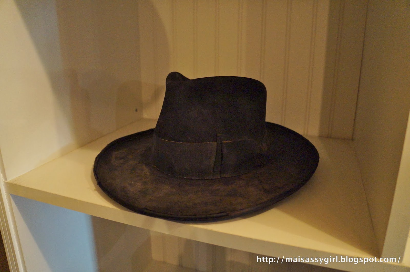 8a7ca34a maisassygirl: HAT MAKER - NICK FOUQUET on ABBOT KINNEY, VENICE
