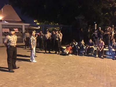 Di Solo, Aksi 1000 Lilin Simpatisan Ahok Dibubarkan Kepolisian