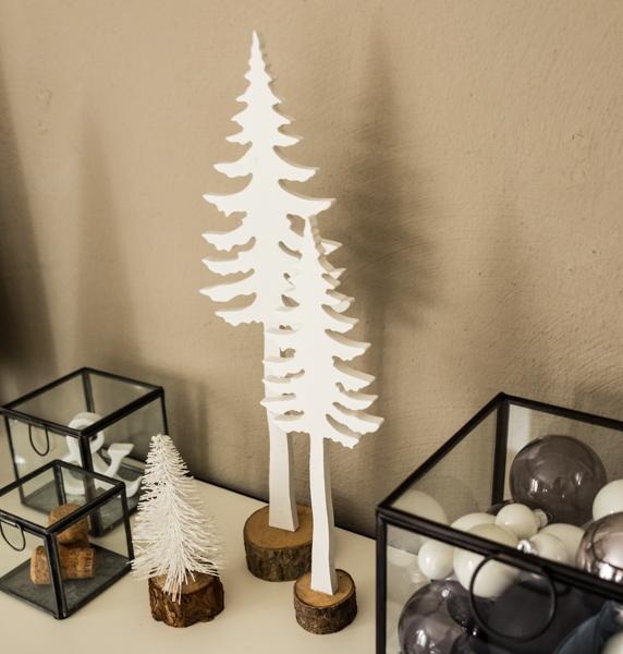 fim.works | Fotografie. Wortakrobatik. Wohngefühl | Eukalyptusfrüchte mit Weihnachtsdeko