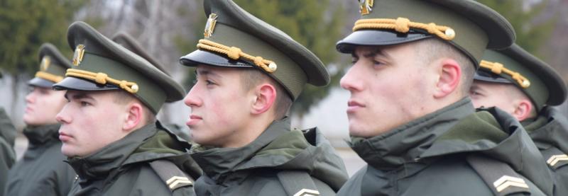 У військові коледжі можна виступити без ЗНО