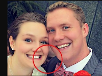Sosok Wajah Hantu Ikut Dalam Foto Pernikahan