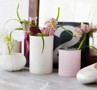 Vas Bunga dari kaleng bekas