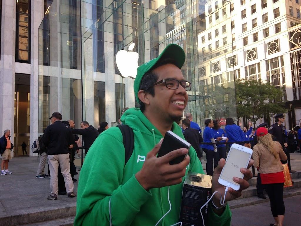 [網友熱選]阿里巴巴響亮敲鐘風光上市;iPhone 6/6 Plus正式開賣,搶購人龍再現
