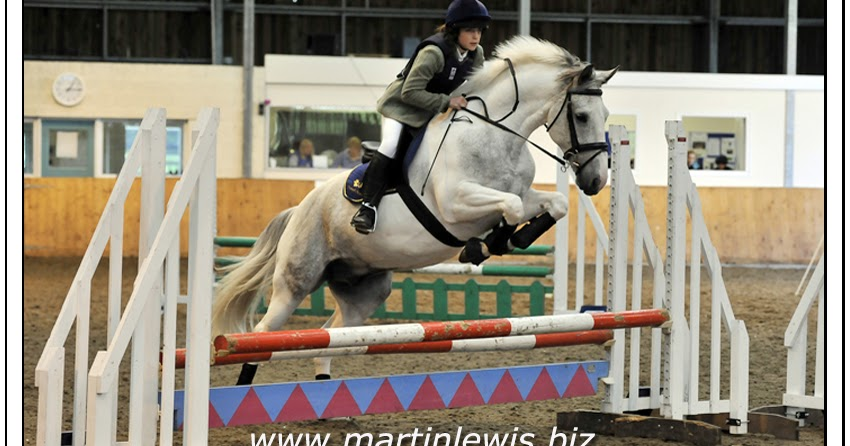 Hampshire Wedding Photographers Show Jumping At Sparsholt