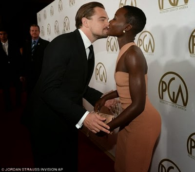 African Actress Lupita Gets a Kiss From Leonardo DiCaprio 3