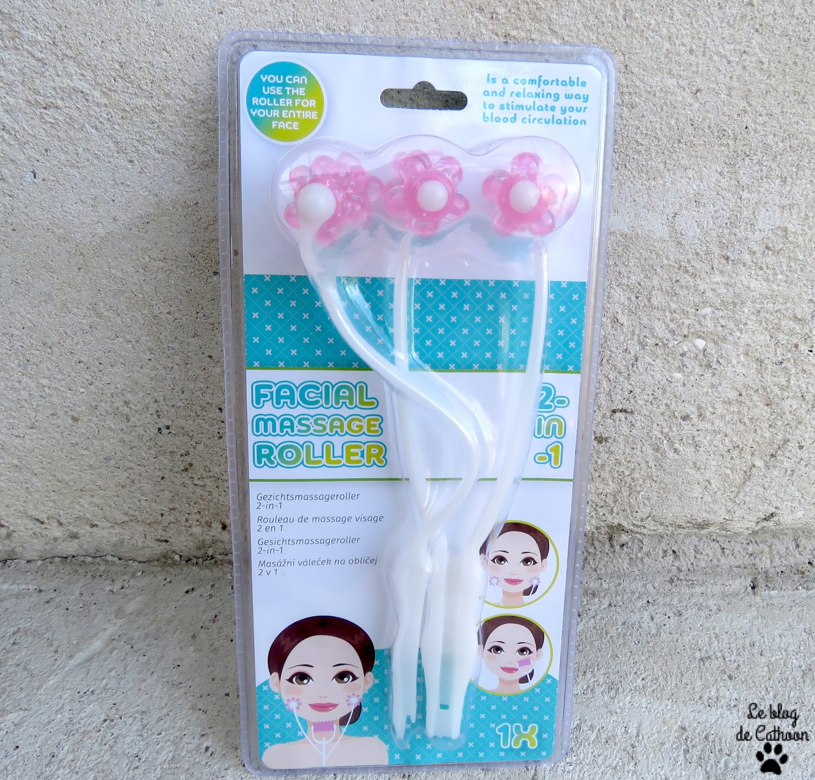 facial massage roller 2-in-1 Action
