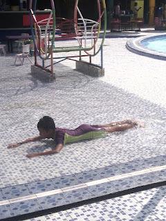 berenang di surya yudha park