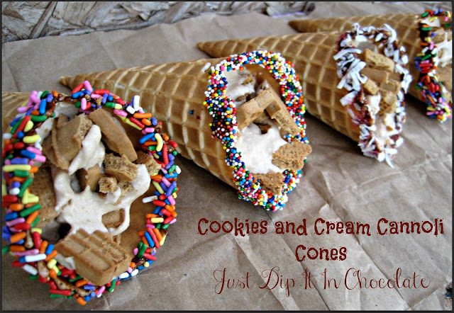 Cookies and Cream Cannoli Cones Recipe, can't find cannoli shells? don't feel like baking one? no problem how about waffle cones instead. Enjoy this sweet on the go treat this summer! Crunchy, Creamy and Sweet, yum