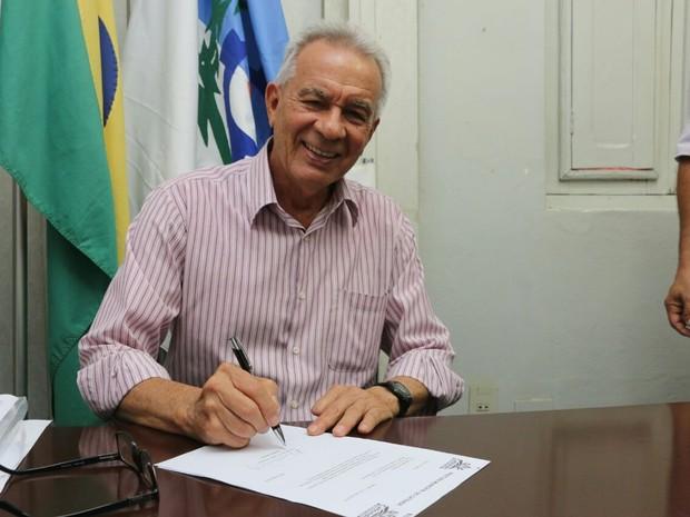 POLÍTICA - O PREFEITO ELEITO MAIS VELHO DO BRASIL TAMBÉM É NORDESTINO DO ESTADO DE PERNAMBUCO