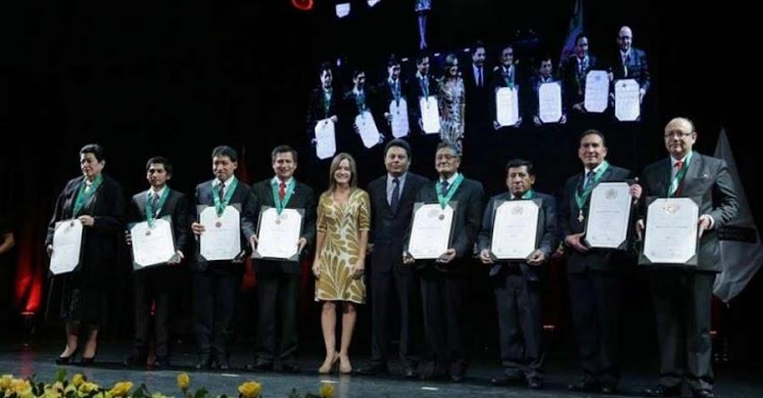 Presidente Kuczynski y Ministra Martens agradecen labor de maestros y los exhortan a mejorar la enseñanza