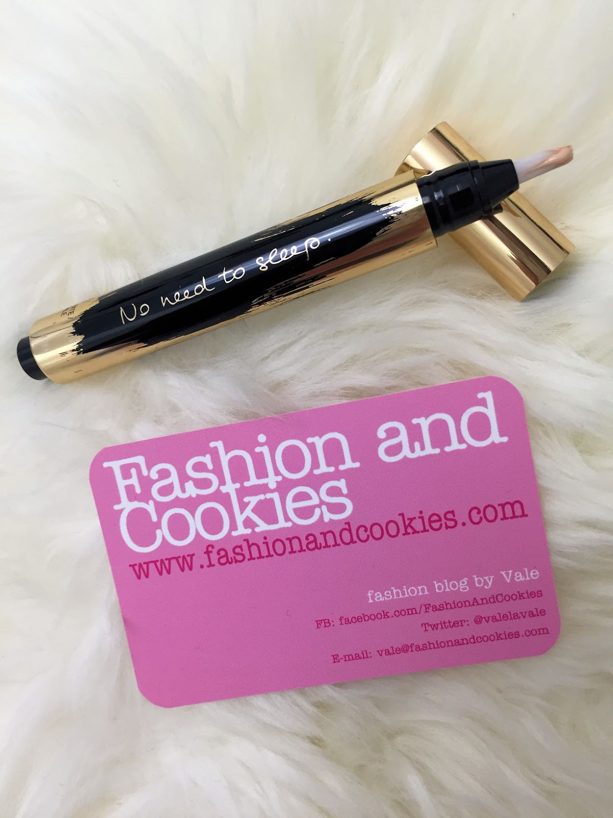 No need to sleep YSL Touche Éclat collector slogan edition on Fashion and Cookies beauty blog, beauty blogger