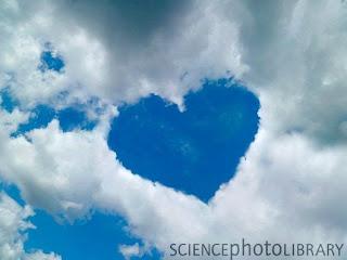 ialah sebuah titian perasaan yang terwujud dalam ungkapan cinta Kata Mutiara Cinta Pilihan Terbaru