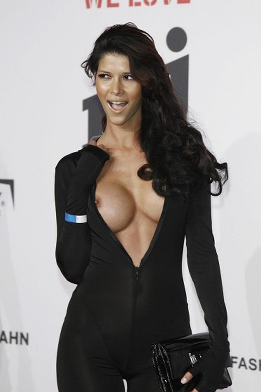 Sideboobs Micaela Schafer nude (43 photo), Tits, Bikini, Twitter, legs 2018