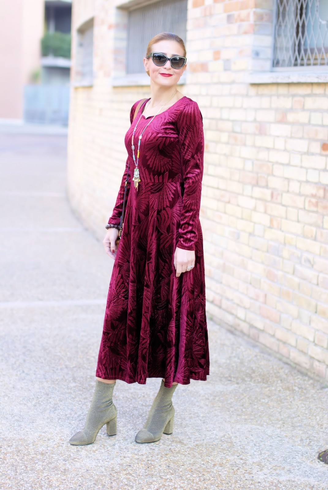 Metisu red velvet maxi dress & Le Silla sock heels: 70s vibes on Fashion and Cookies fashion blog, fashion blogger style