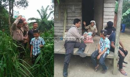 Santuni Warga Yang Kesusahan, Polisi Ini Rela Tiap Hari Berkeliling Membagikan Sembako