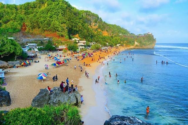Tour wisata ke Pantai Pok Tunggal