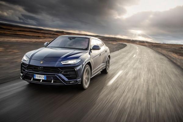 Lamborghini Urus SUV Tercepat yang Juga Cocok Untuk Keluarga