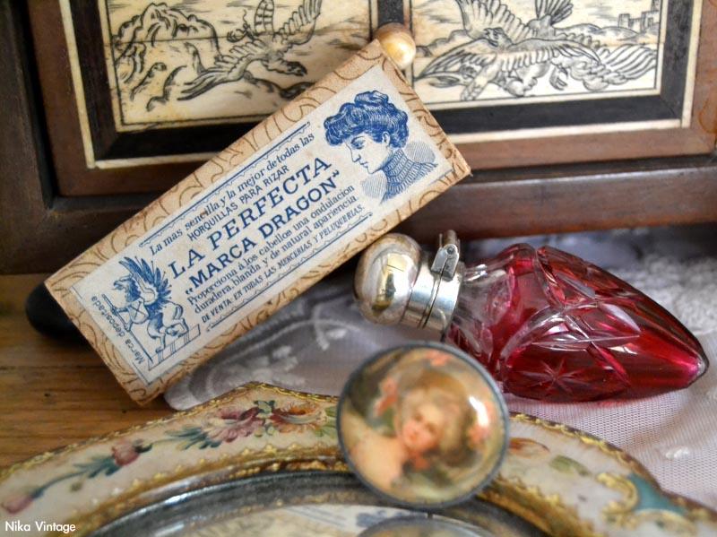 perfumero antiguo, rojo, caja antigua de carton, la perfecta, alfiler de sombrero
