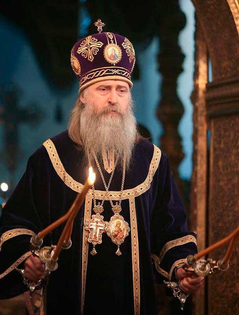 Архиепископ Сергиево-Посадский Феогност совершил Литургию в Успенском соборе Кремля