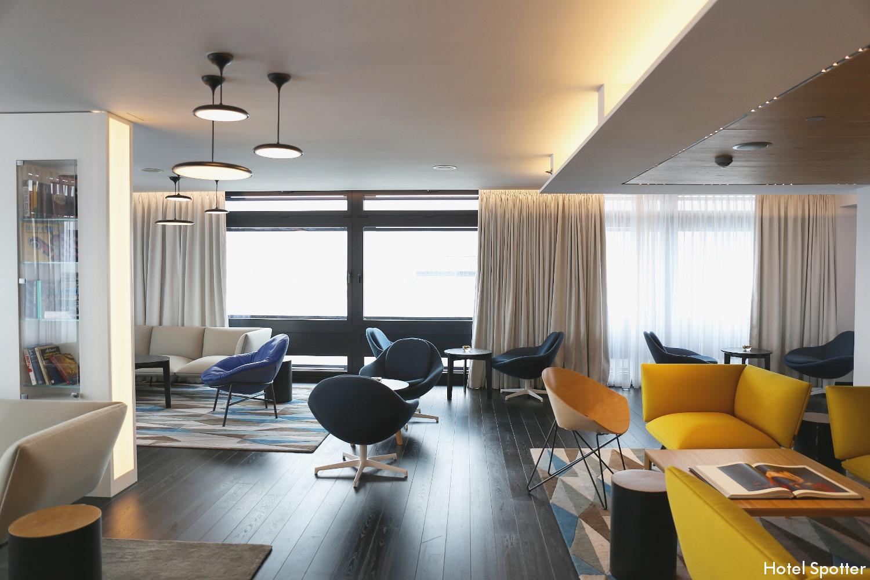 Club Lounge w Renaissance Warsaw Airport Hotel - recenzja saloniku