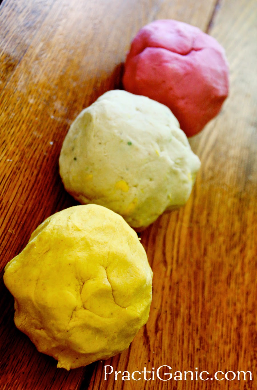 Homemade Natural No-Bake Playdough