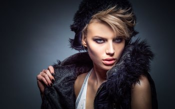 Wallpaper: Fashion - Girl - Portrait - Studio