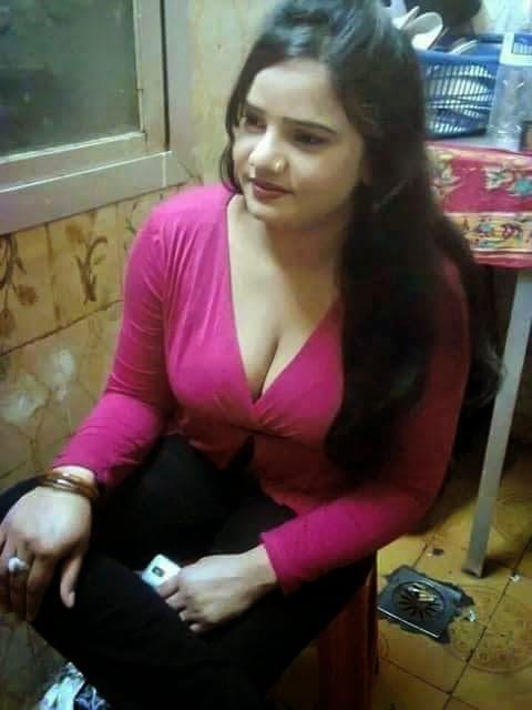 Indian girls boobs press hard