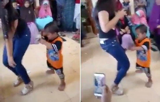Video Bocah 3 Tahun Goyang Hot ala Orang Dewasa Dengan Biduan Dangdut