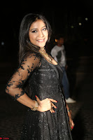 Sakshi Agarwal looks stunning in all black gown at 64th Jio Filmfare Awards South ~  Exclusive 144.JPG