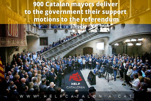 Catalan mayors deliver their support motions to the referendum