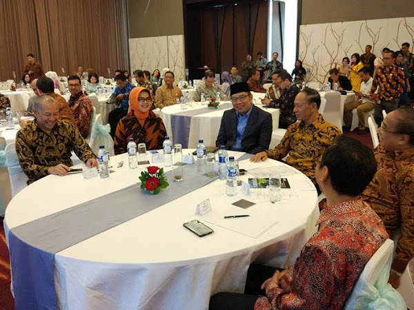 Ridwan Kamil Membuka Seminar Nasional IORA Financing Blue Economy