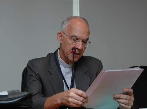 Padre é xingado após citar Marielle Franco durante leitura de evangelho