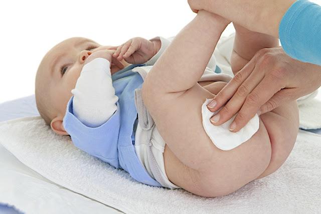 जब बच्चा करे बार बार उल्टी दस्त घरेलू उपचार करे -When the child repeatedly vomits, heals home remedies -  jab bachcha kare baar baar ultee dast ghareloo upachaar kare -शिशुओं में दस्त (डायरिया) शिशु को उल्टी-दस्त होने पर यें उपाय करें बच्चों को डायरिया, पेट संक्रमण व दस्त होने पर बच्चों को पतले दस्त | घरेलू इलाज उल्टी दस्त के घरेलु उपचार बच्चे को उल्टी नवजात शिशु को उल्टी उल्टी और दस्त उल्टी दस्त के घरेलु नुस्खे बच्चों में उल्टी होना बच्चों की उल्टी का इलाज दस्त का इलाज उल्टी की दवा नवजात का दूध बाहर निकालना बच्चों को उल्टी होना बच्चों की उल्टी का इलाज नवजात शिशु के नाक से दूध उल्टी बच्चों को उल्टी दस्त बच्चे का दूध निकालना दूध पलटना शिशु का थूक निकालना