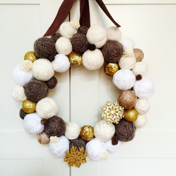 wianek świąteczny cottonballs dawanda twobrokesisters