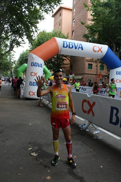 Nacho Cáceres nos saluda tras ganar la Cursa Besòs-Maresme